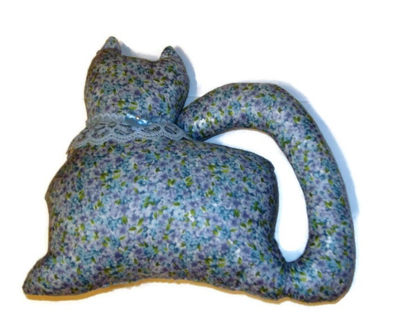Blue Floral Kitty Cat Window Sitter with light blue lace collar and bow.