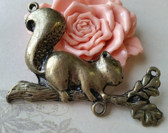 60 x 40 mm Squirrel on a Branch Charm Pendants (t.aa)