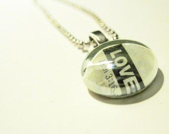 Pendant, Necklace, Christian gift, Glass Cabochon, Scripture, Love, John 3:16, glass Gem, wedding keepsake souvenirs,