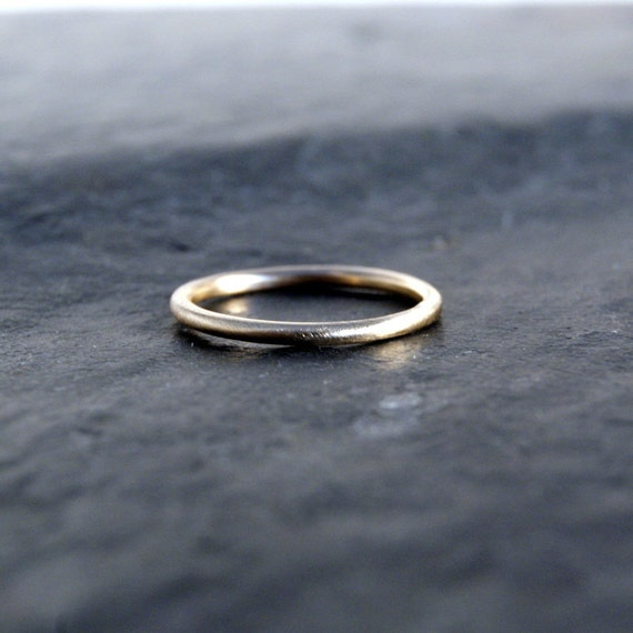 14kt Recycled Yellow Gold Thin Round Wedding Band