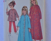 vintage pattern 1967 Simplicity #7371 girls' size 8 robe, top and pants