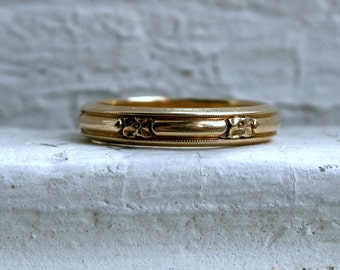 RESERVED - Vintage Floral 14K Yellow Gold Wedding Band by Art Carved.