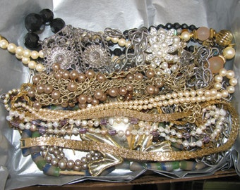 Small Flat Rate Box Full Of Vintage Good to Destrash Jewelry for Resale Or Crafting #12