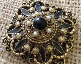 Art Deco Brooch / pin