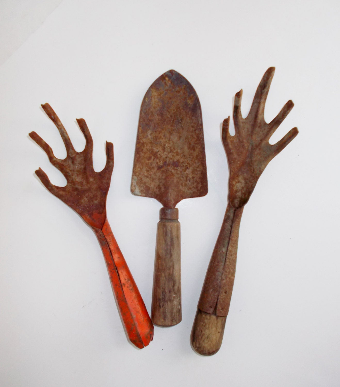 Vintage garden tools set of 3 rusty primitive by nannasthings for Gardening tools toronto