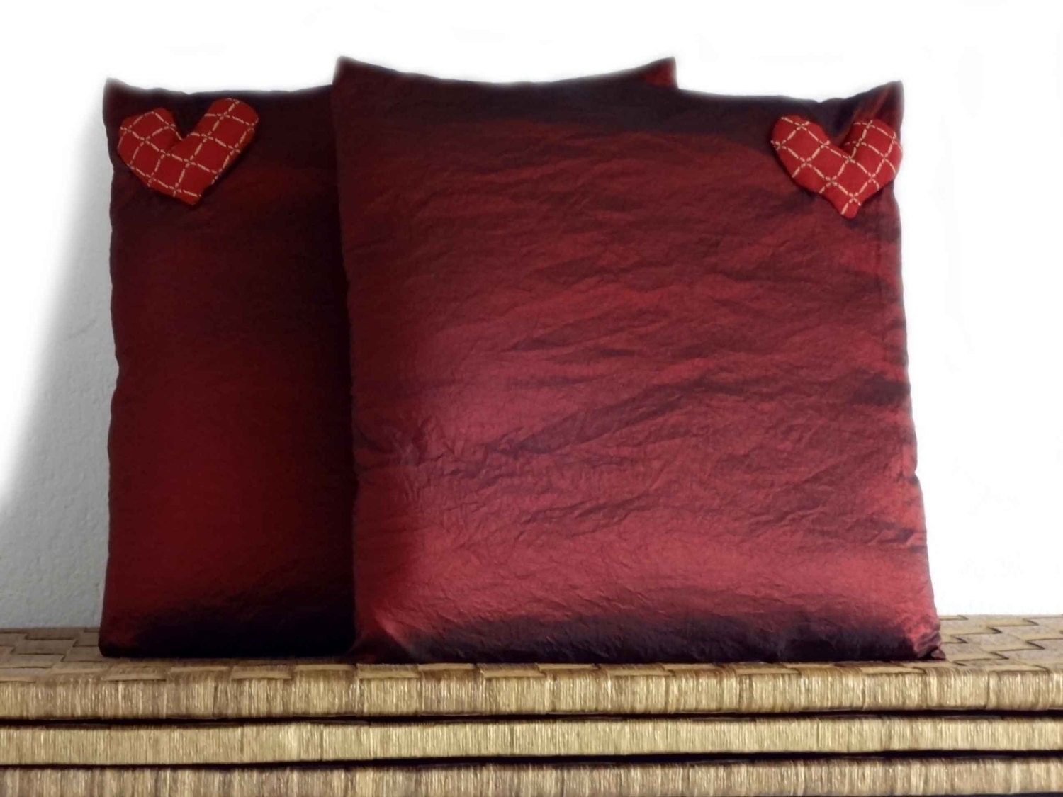 Burgundy Colored Throw Pillows : Decorative pillows burgundy cushions in elegant burgundy