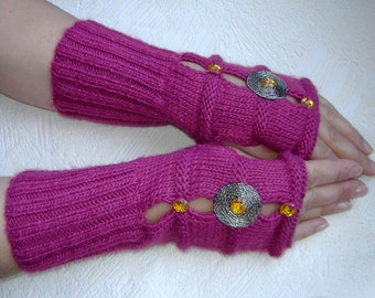 Red-violet fingerless  gloves  with decorative elements.