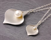Mother Daughter Necklace, calla lily necklace, pair necklace, mom necklace, friendship, sister, matching necklaces, N10