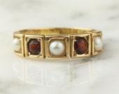 Vintage 18k Gold Garnet and Pearl Band Ring