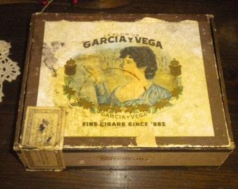 Vintage Garcia & Vega Napoleons Cigar Box