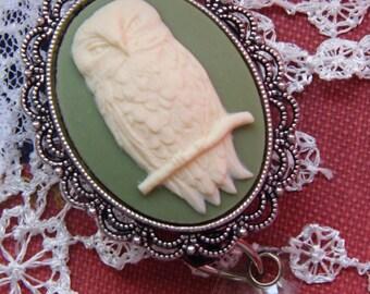 womens Steampunk Punk Barn Snow Owl Badge Reel retractable ID Card Glasses Holder Teacher Nurse