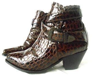 90s Boots/ Dingo Boots/ High Heel Boots/ Cuban Heel Boot/ Rockabilly Boot/ Southwestern Boots/ Crocodile Shoes/ Patent Leather Boot/ Size 6