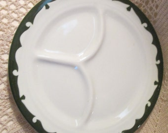 Vintage Wellsville China Restaurant Ware Grill Plate with Green Stenciled Rim