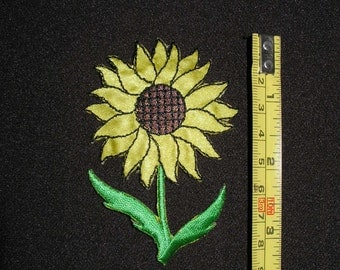 2 each bulk pack Sun Flower iron on patches
