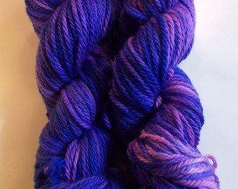 SALE  violet on Bulky SW Merino