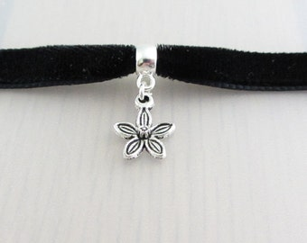 Silver Flower Charm Black Velvet Ribbon Choker Necklace, 9mm Black Velvet Choker, Flower Pendant, Flower Charm Necklace