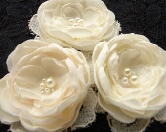 Ivory Bridal Flower Sash trio- Wedding Hair Accessories- Fascinator- Satini vory bridal veil- Bridal Headpiece
