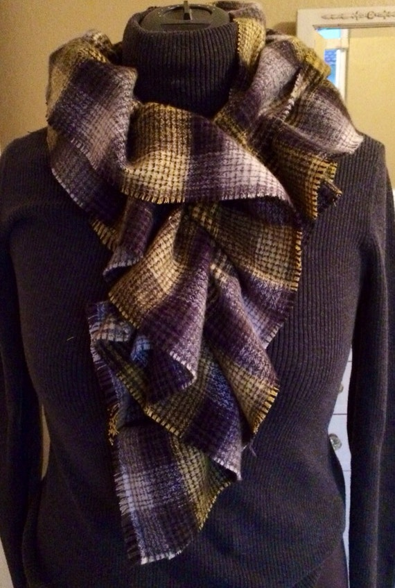 Ruffled cotton flannel scarf in yellow and grey plaid