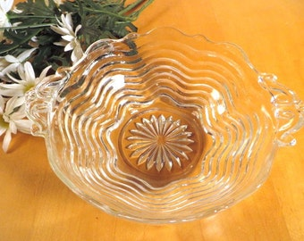 Vintage 1950s Berry Bowl Anchor Hocking Wavy Glass With Handles