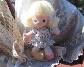 Precious Moments Small Doll Applause. Take Time to Smell the Flowers  1989,Precious Moments, Cloth Doll,  :)S   7 inches Tall