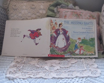 The Missing Tarts By B.G.Hennessy,  Tracey Campbell Pearson ,Vintage Child's Book, Vintage Children's Book, Vintage Paper back Book,  :)s
