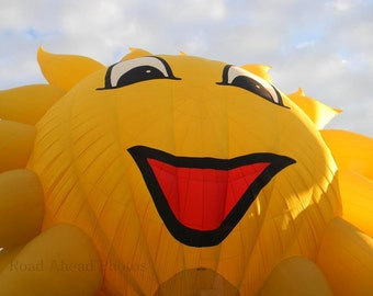 5 x 7 matted photograph Sunshine Hot Air Balloon: Albuquerque, Balloon Fiesta