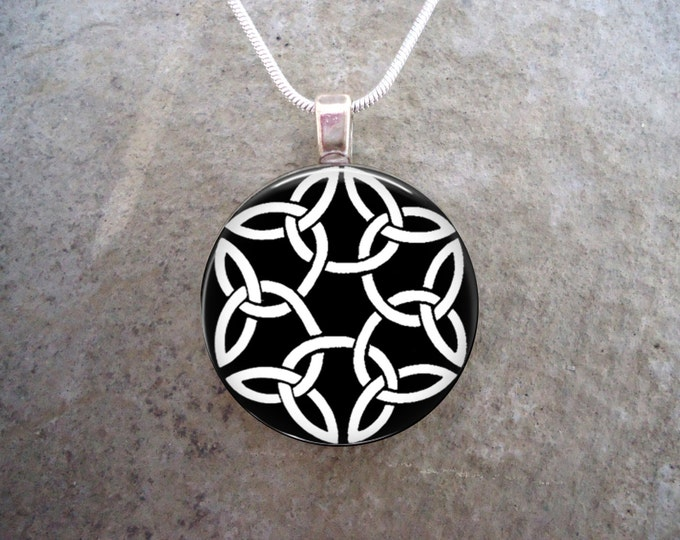 Celtic Jewelry - Glass Pendant Necklace - Celtic Decoration 3