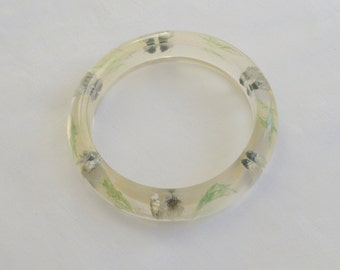 Clear Lucite Bangle with Blue Dried Flowers 1960s Vintage