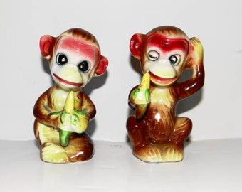 Vintage salt and pepper shakers, monkeys, 1940s to 50s