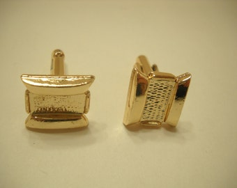 Vintage Gold Tone Cuff Links (1741)