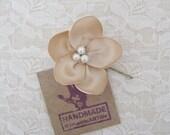 Champagne Flower Hair Piece. Champagne Flower Pin. Bridesmaid Champagne Hair Flower.