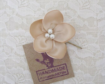 Champagne Flower Hair Piece. Champagne Flower Pin. Bridesmaid Champagne Hair Flower.