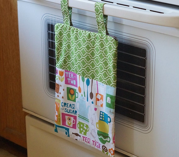 Hanging Kitchen Wet Bag / Kitchen Catch-all with Convertible Straps
