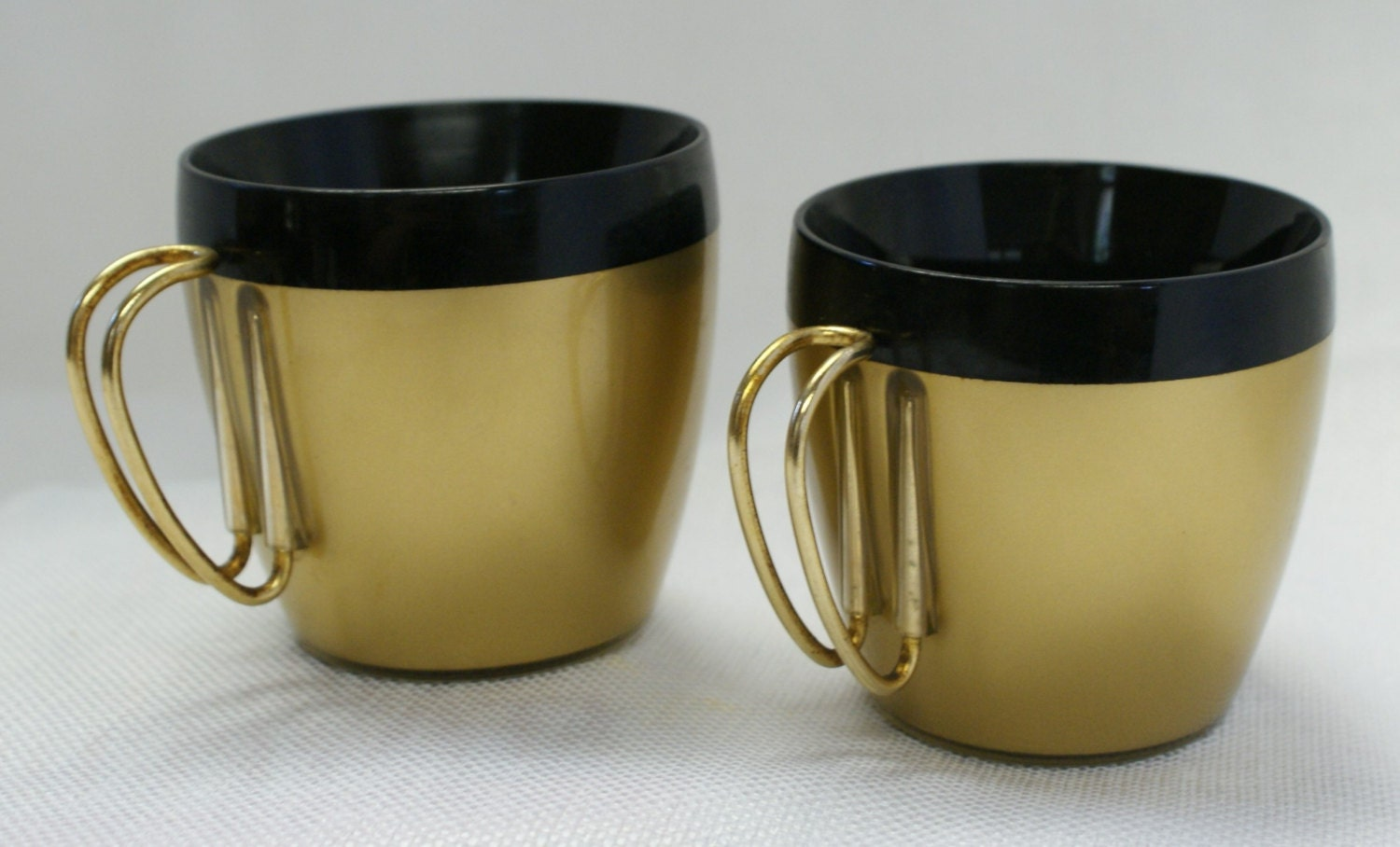 Retro Coffee Cups Wire Handles Mad Men Black And Gold