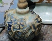 ASIAN SNUFF BOTTLE Lovely vintage collectible gem of a bottle with a floral design