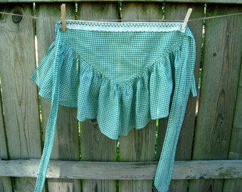 Vintage apron in green and white gingham with vintage trim