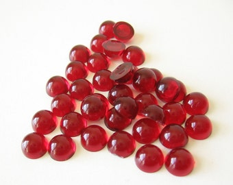 18 vintage ruby red plastic cabochons cabs domes flat back 7mm