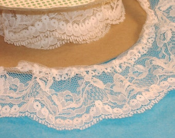 Cream Ruffle Lace Trim - 2 3/4 inch Wide - Polyester Lace - BTY - Destash AA