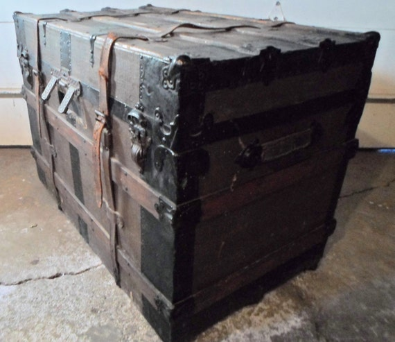 Antique Steamer Trunk Chest Immigrant Trunk Blanket