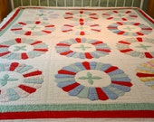 Vintage  Red and Green Medallion Quilt - Hand Quilted