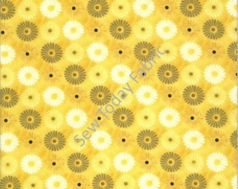 Felicity Flowers All Over Yellow - Wilmington Prints Q1810-42378-515 (sold by the 1/2 yard)