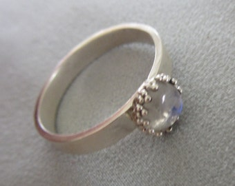 Small Moonstone Ring - High-grade Stone ring -  Size 7