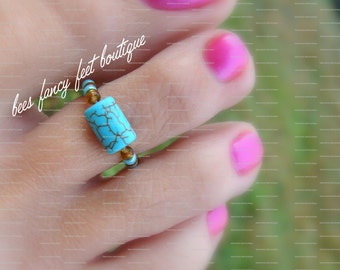 Toe Ring - Cracked Turquoise Stone - Topaz Stretch Bead Toe Ring