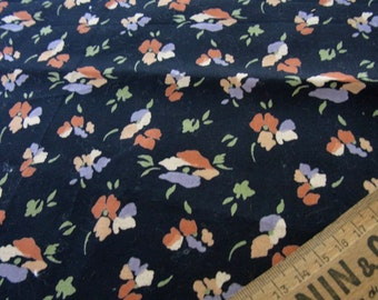 Vintage LIBERTY Floral / Spray flower Fabric Large FQ