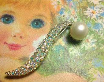 vintage costume jewelry brooch pin crystal flower pearl