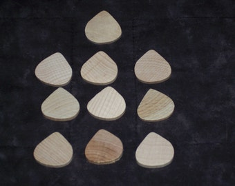 Unfinished wood  teardrops,10/pkg,small,appx 1 inch wide,hardwood,ready to paint,decorate,crafts,game pieces,manipulatives
