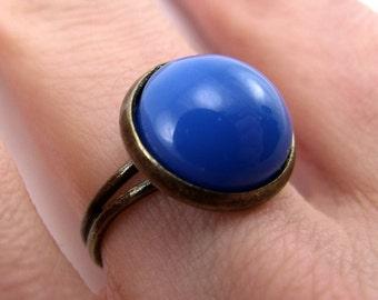 Bezel Ring - Royal Blue, antiqued brass