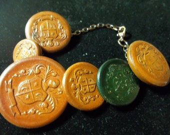 CLEARANCE! 15.00 Vintage Wood Crests Buttons bracelet, button jewelry, up cycled vintage buttons, wood buttons, 416S