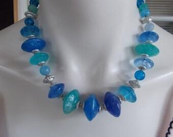 Vintage Blue Green Plastic Beaded Necklace / Choker.......10