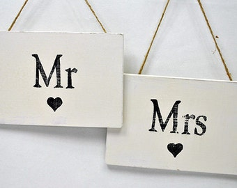 Shabby Chic Sign - Mr & Mrs Signs
